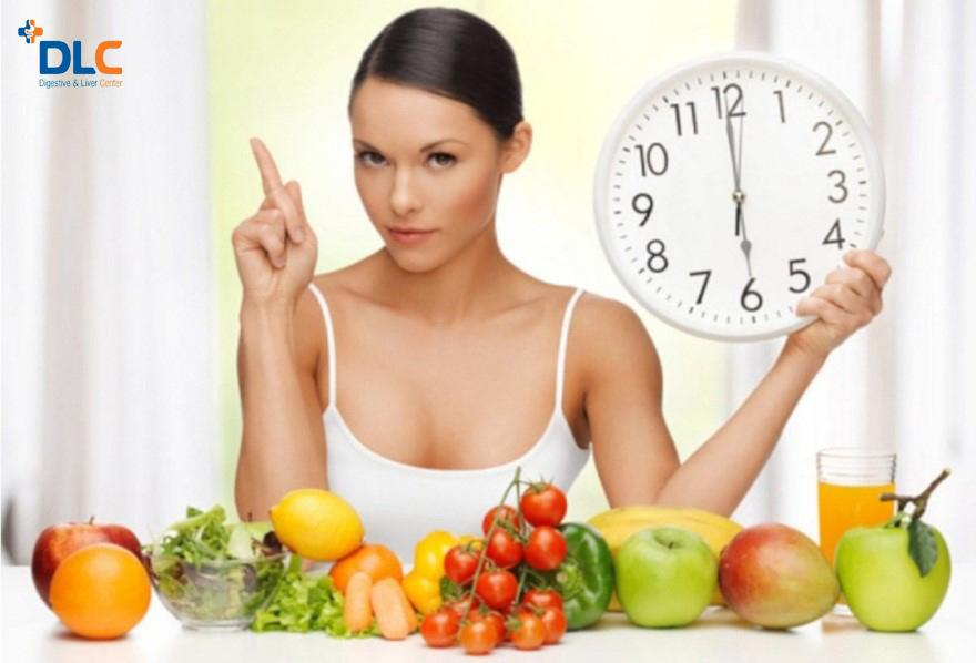 Nên nhịn ăn ít nhất 6 giờ trước khi nội soi